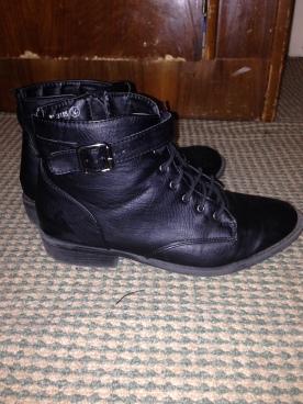 Black boots 2
