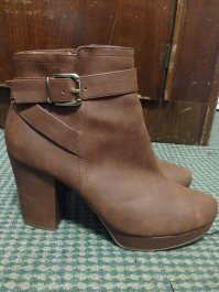 Brown boots 1