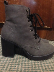 khaki boots 3